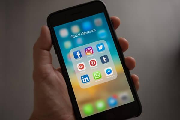Online Dictionary in social media