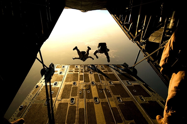 High altitude military parachuting