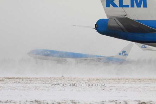 Snowstorm at EHAM airport in 2012